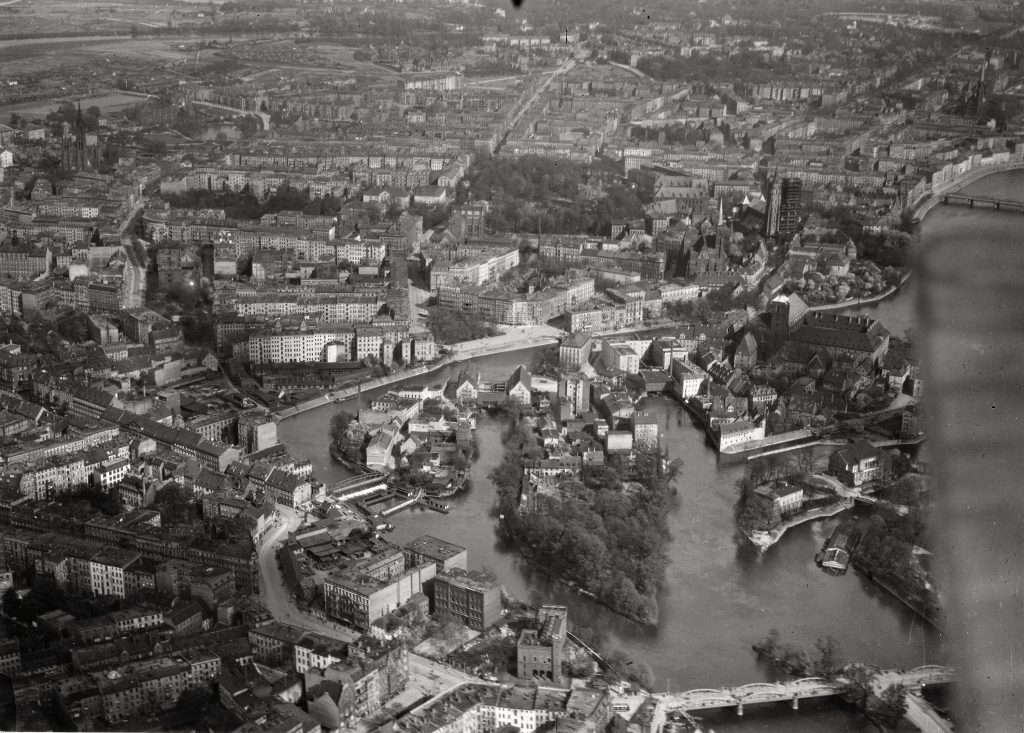 Arial view of Breslau, early 1900s, before the destruction of World War II.