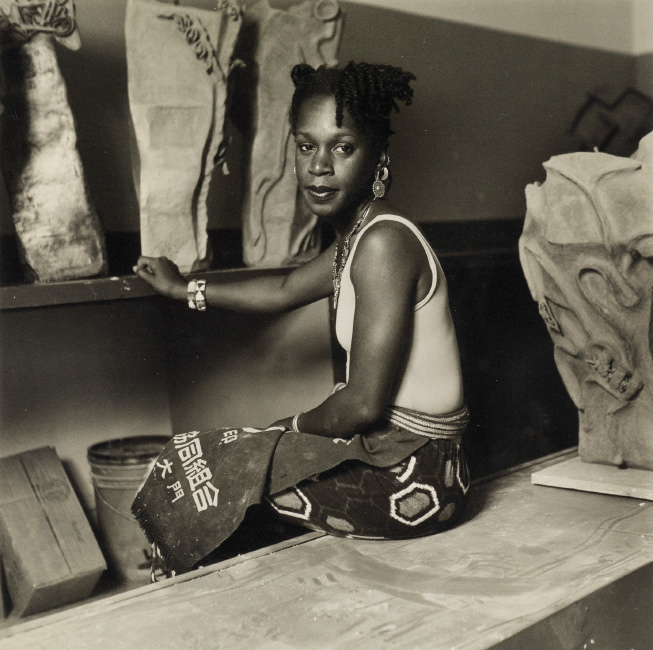 Dawoud Bey, The artist Sana Musasama, silver print, 1986-87.
