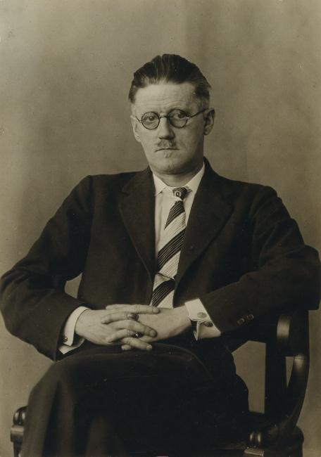 Berenice Abbott, James Joyce, silver print, 1928.